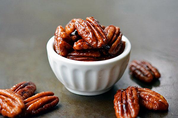 Spicy Balsamic Pecans